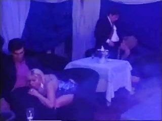 MARIA BELLUCCI: #47 Coppie Perverse Nell'harem... sc.1