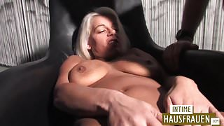 Blonde milf with dessouse
