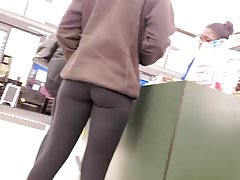Blonde Teen with Sweet Ass and Leggings Voyeured