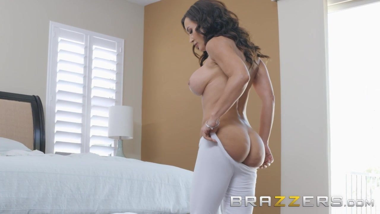 Our Queen Is Back - Lisa Ann in her first Anal scene in 3