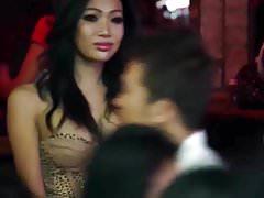 LadyboyDating - Pattaya Ladyboy Walking Street