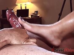 I make him cum with my pretty feet