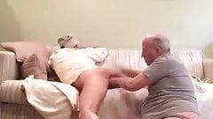 Пожилой мужчина лижет очко и сосет хуй молодого мужчины