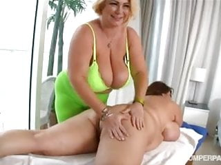 Busty Bbw Pornstars Samantha G And Maria Moore In Lesbo