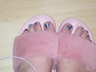 Kitty's pretty feet in slippers