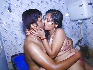 Desi B-Grade Hot Bath scene