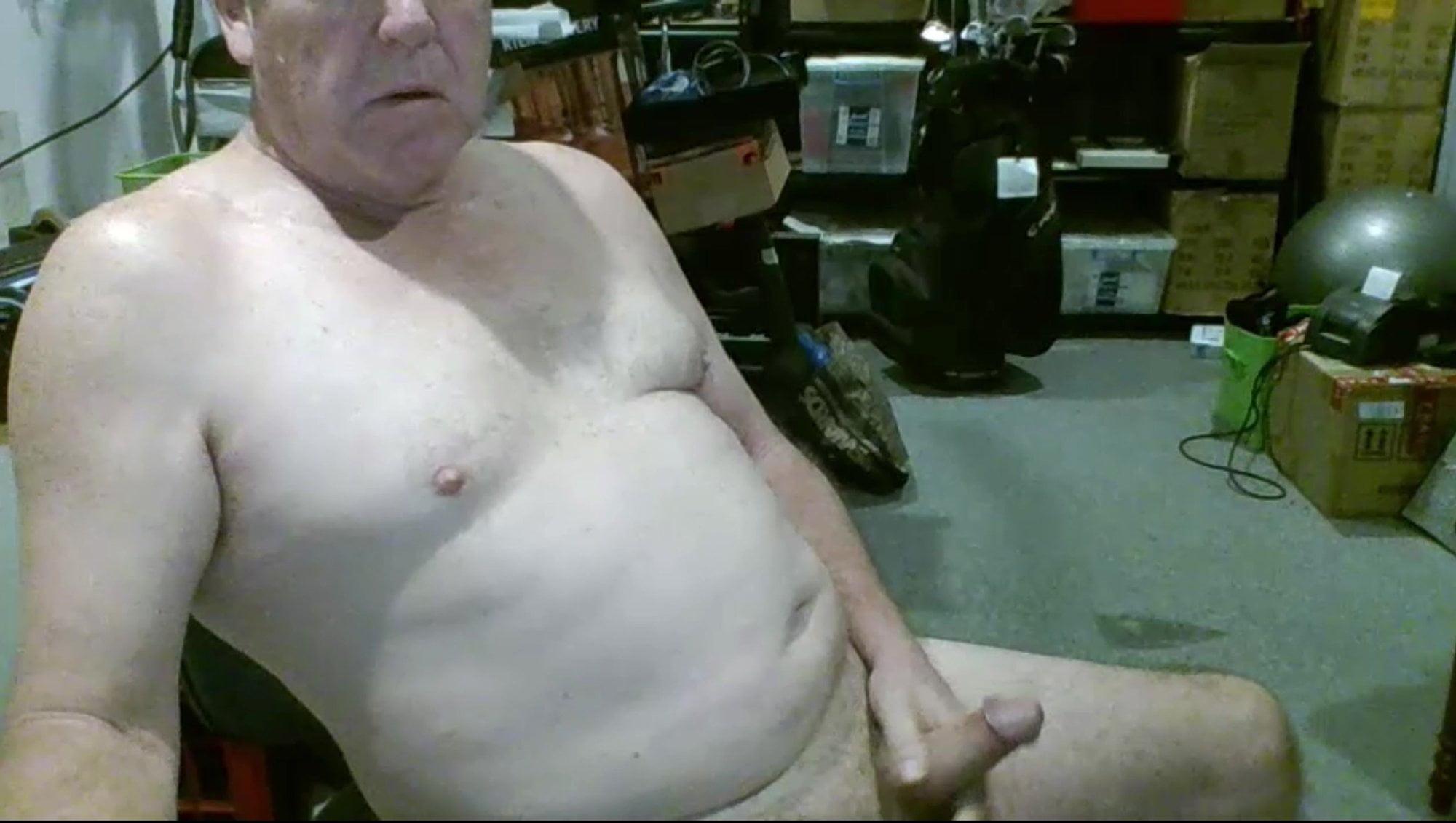 Aussie Grandpa cum on cam