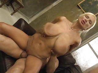 Hot Sexy Mature Bouncing Boobs