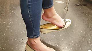 Candid asian lady sexy shoe dangle pt 2