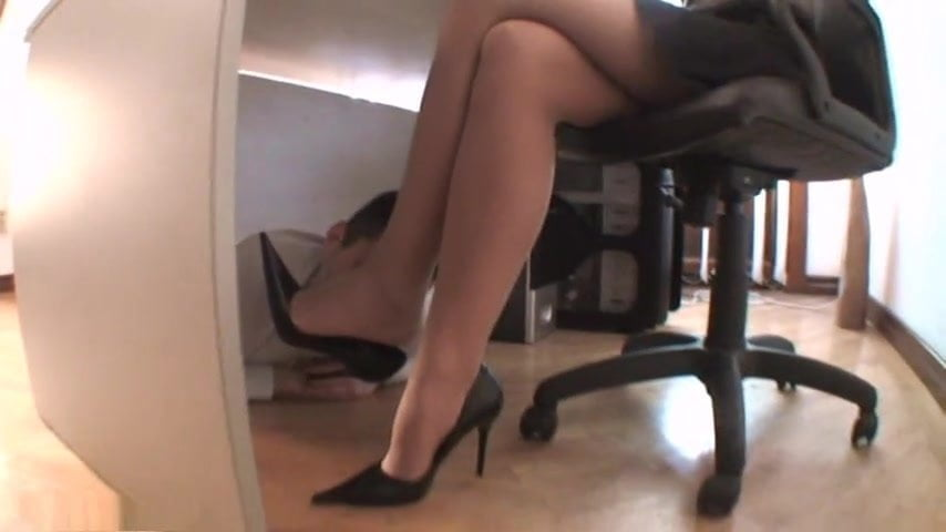 Lesbian Foot Worship Boss