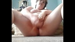 Chubby orgasms on the floor