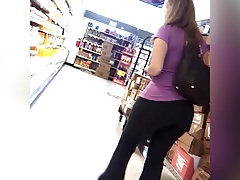 candid - Big Booty MILF in tight black yoga pants