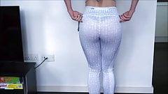 leggings try on
