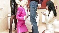 Kiki Minaj i Chessie Kay and Krystal Niles get throat fucked