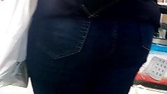 Candid milf jeans booty heels