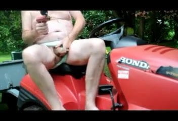 Transvestite backyard sounding urethral pumping fisting outdoo