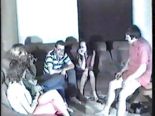 Tina Video - Netter Gruppensex mit Kurzpimmel