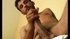 Yummy guy in tats solo wanking
