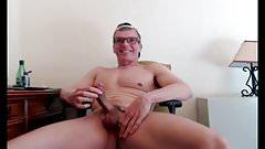 chicago dad strokes his big cock