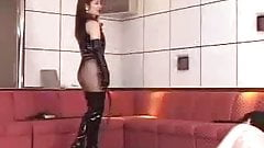 bullwhipping japamese lady