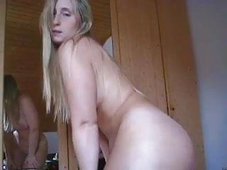 White Girl With A Fat Ass Stripping And Dancing