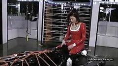 Chastity Training - Das Gummi Klo