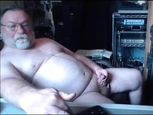 Порно Трекеры Daddy Masturbation