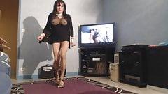 milf arabe gros seins en mini raz la chatte's Thumb