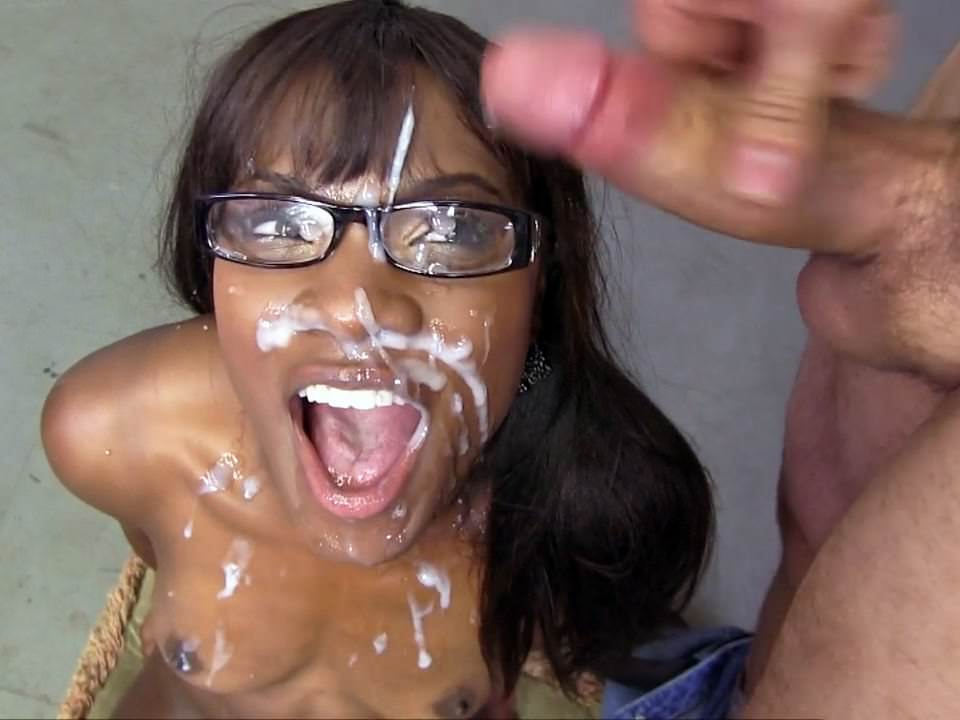 Exy mom gives blow job