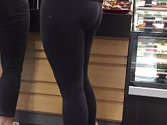 Sexy Blonde with Big Ass in Yoga Pants