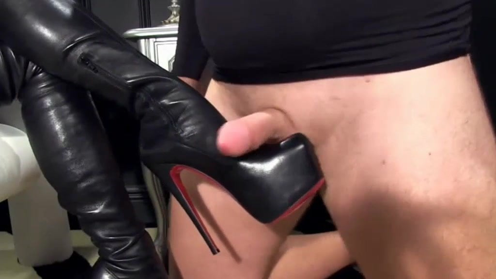 Amber recommends Lesbian kissing porn free video