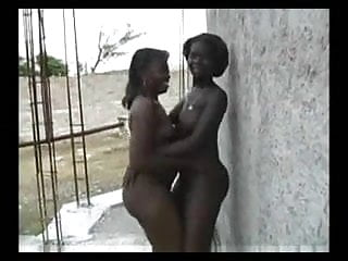 Download video bokep The African Shake - Nigerian Girls Mp4 terbaru