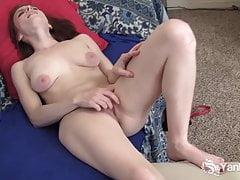 Yanks Cutie Bianca Galore Masturbates
