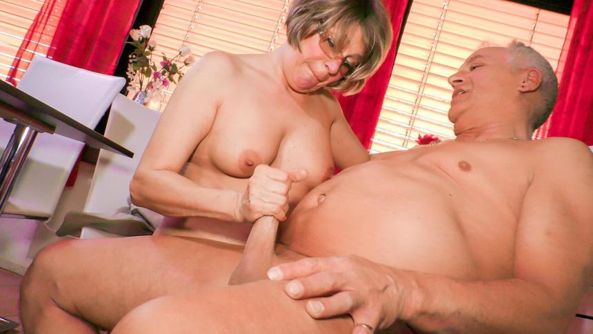Amateur Mature Lesbian Wives