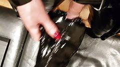 Latex, PVC, lange Nägel glänzend