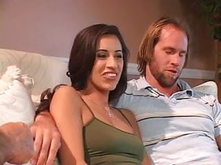 Download video bokep Hottie crams her holes with big cock Mp4 terbaru