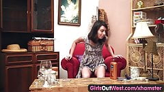 Girls Out West - Amateur hairy pussy squirts while toyed