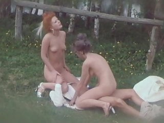Download video bokep Les Belles Dames Du Temps Jadis 1976 Mp4 terbaru
