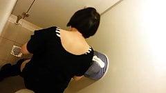 Female Toilet Spy #4