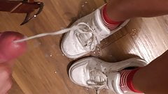 Quick fuck and cum on her sneakers - YummyCouple