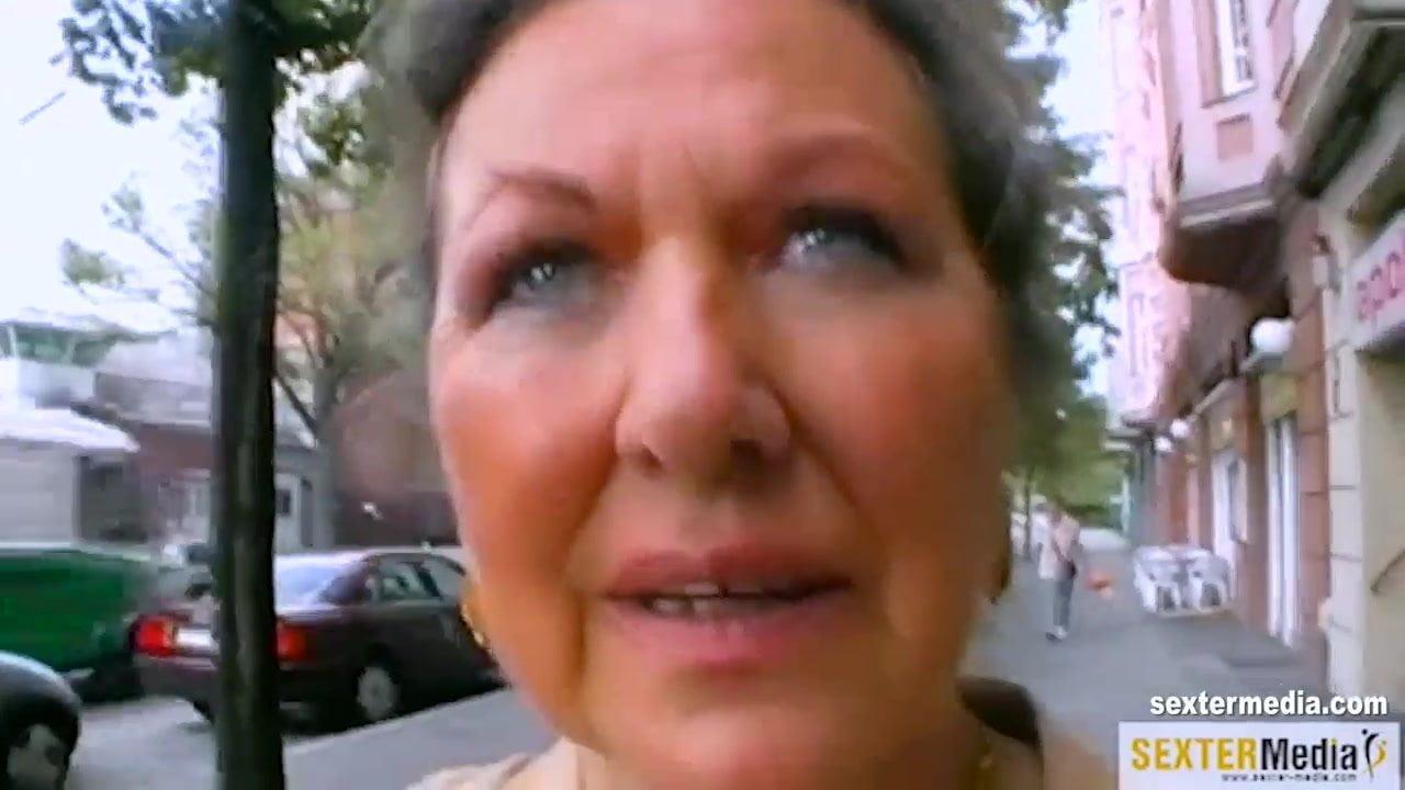 Lesbische grinsen Porno-Videos
