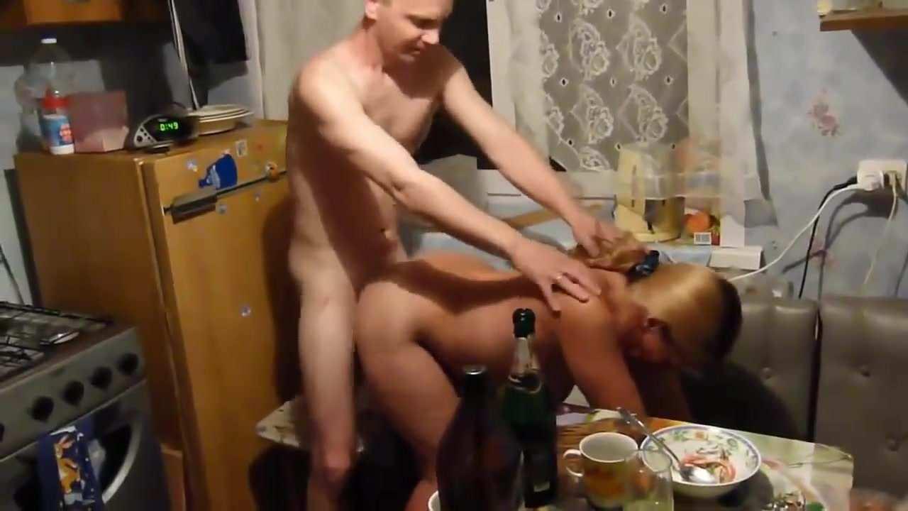 izmena-s-sosedom-santehnik-shofer-seks-onlayn