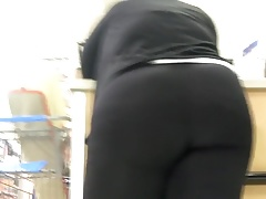 Phat booty bbw showing off part 2 Thumbnail