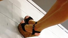Candid extrem wedges heels and hot legs's Thumb