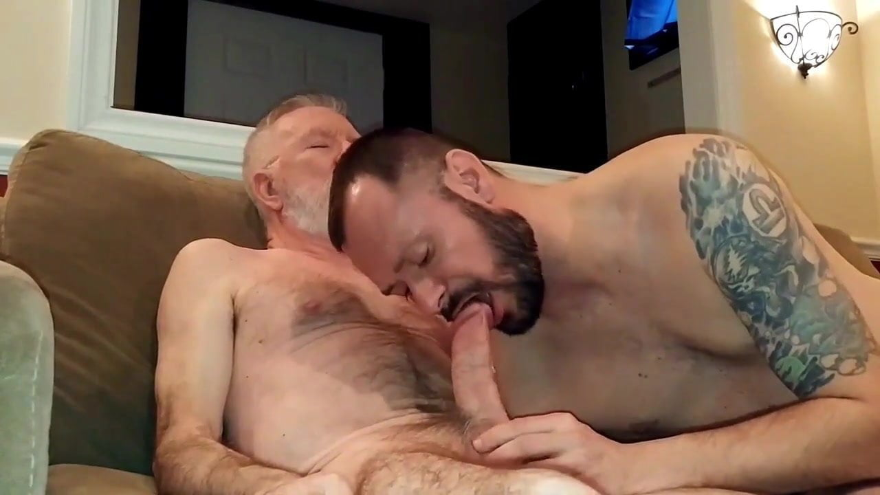 Free video gramps gets blowjob — pic 3