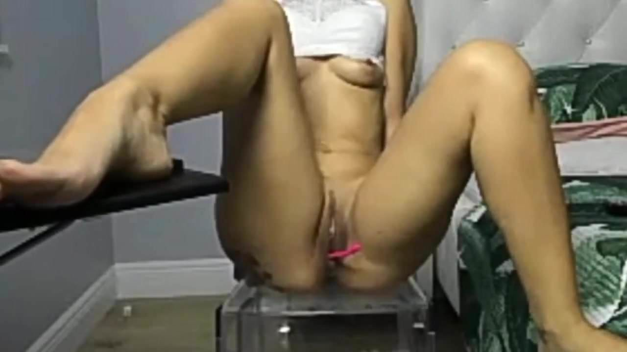 Voyeur vids of female masterbation red, get dick bigger naturally