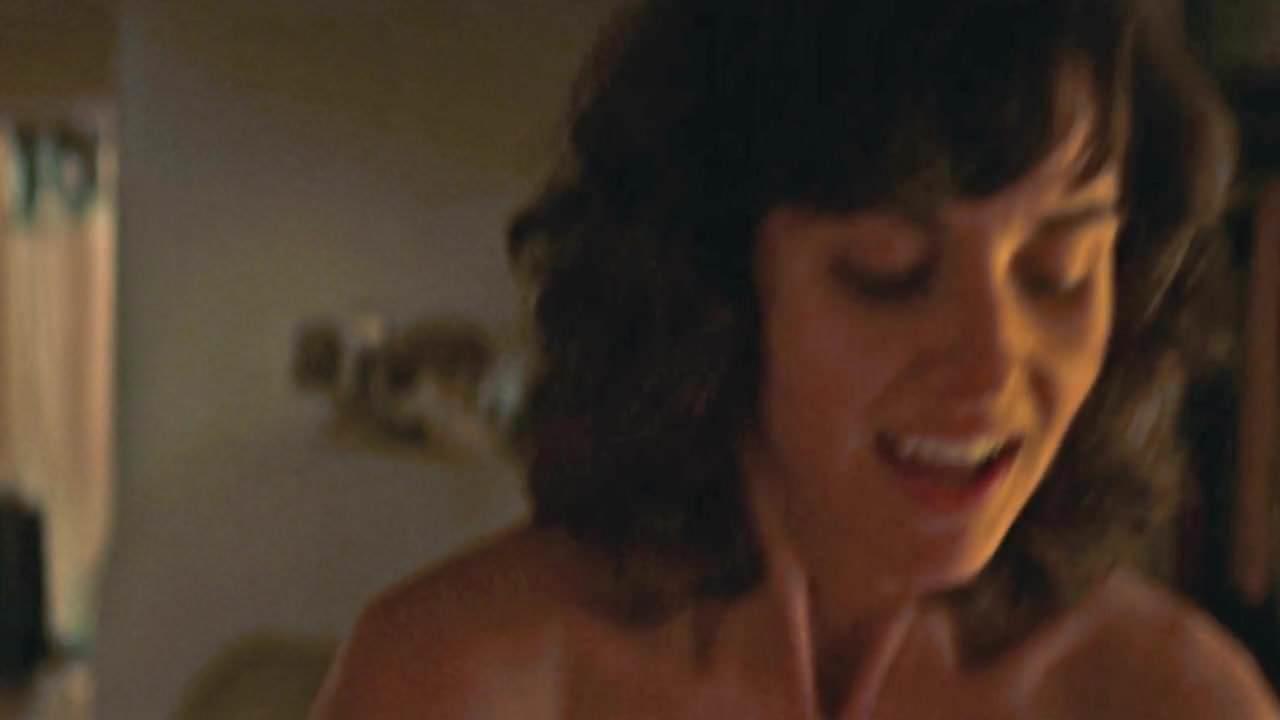 Alison Brie Nuda alison brie nude fucking some guy hard