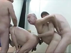 4 daddies play