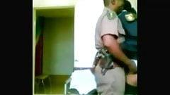 policias cojen de parados en l