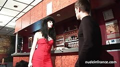 Amateur slut analized in a swinger club
